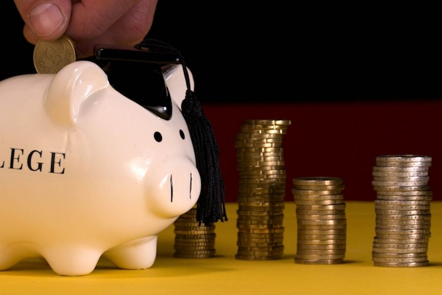 Budget for college savings piggy bank for money